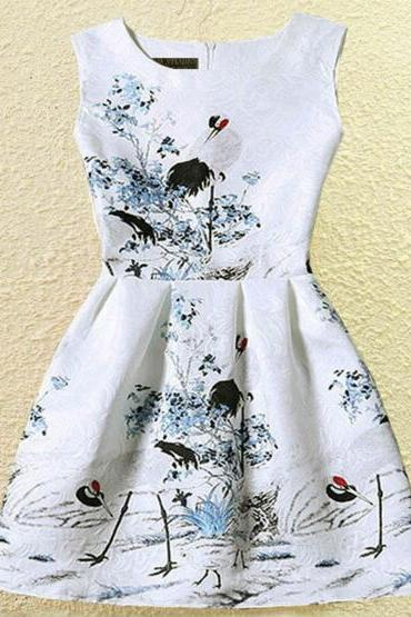 FAST SHIPPING 2016 New Summer Fashion Women's Vintage White Blue Floral Prints Sleeveless Fit And Flare Dress